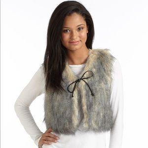 W118 by Walter Baker faux fur super cute vest